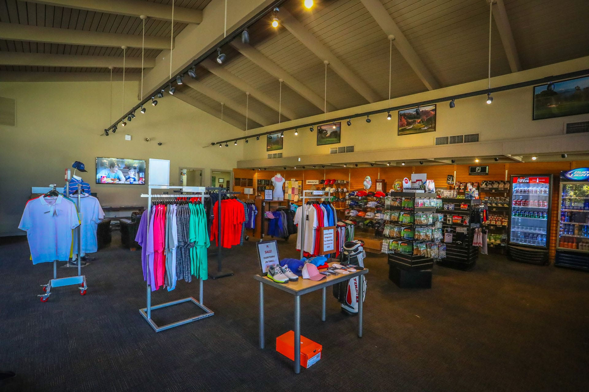 A picture of the pro shop at Mountain Meadows Golf Course