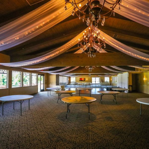 A picture of the reception area at Mountain Meadows Golf Course.