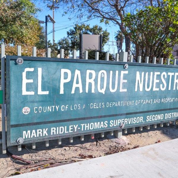 El Parque Nuestro sign