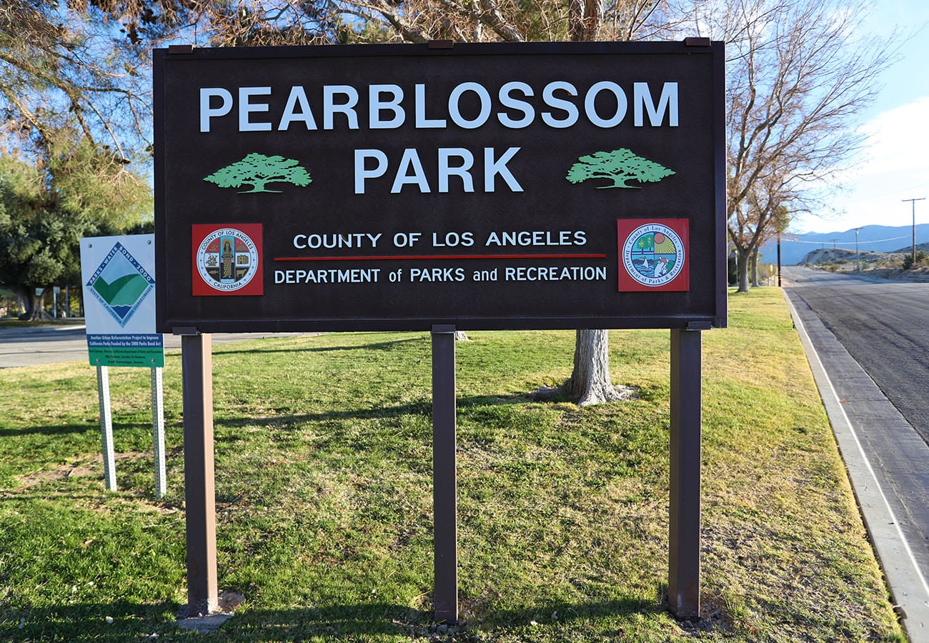 Pearblossom County Park sign