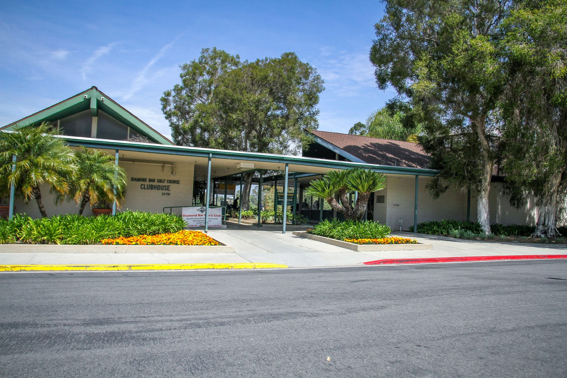 Diamond Bar Golf Course Clubhouse front