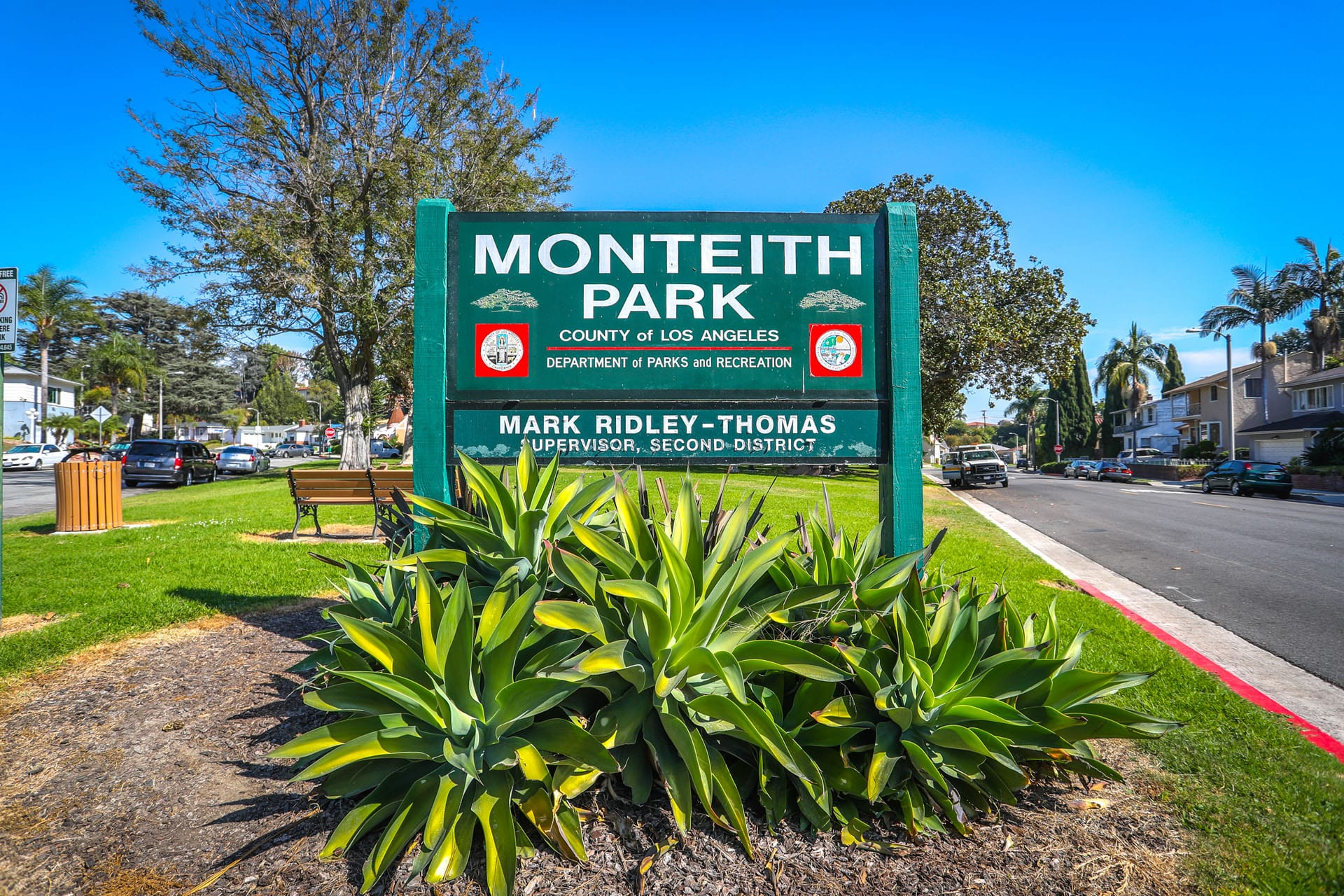 Monteith Park sign