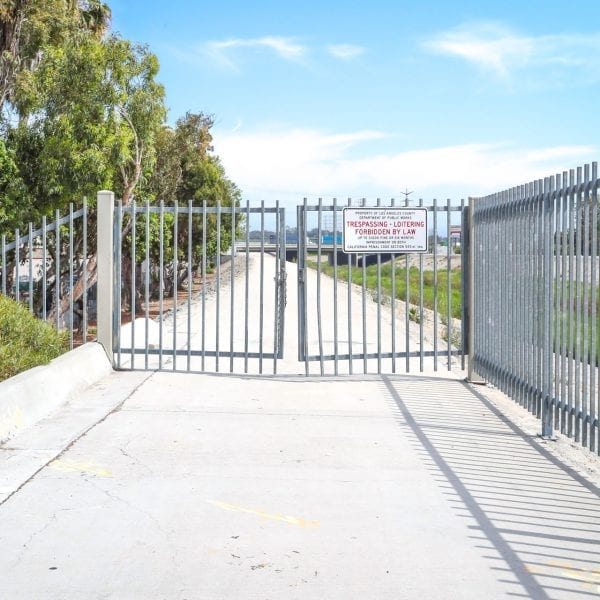 Bicycle path gate