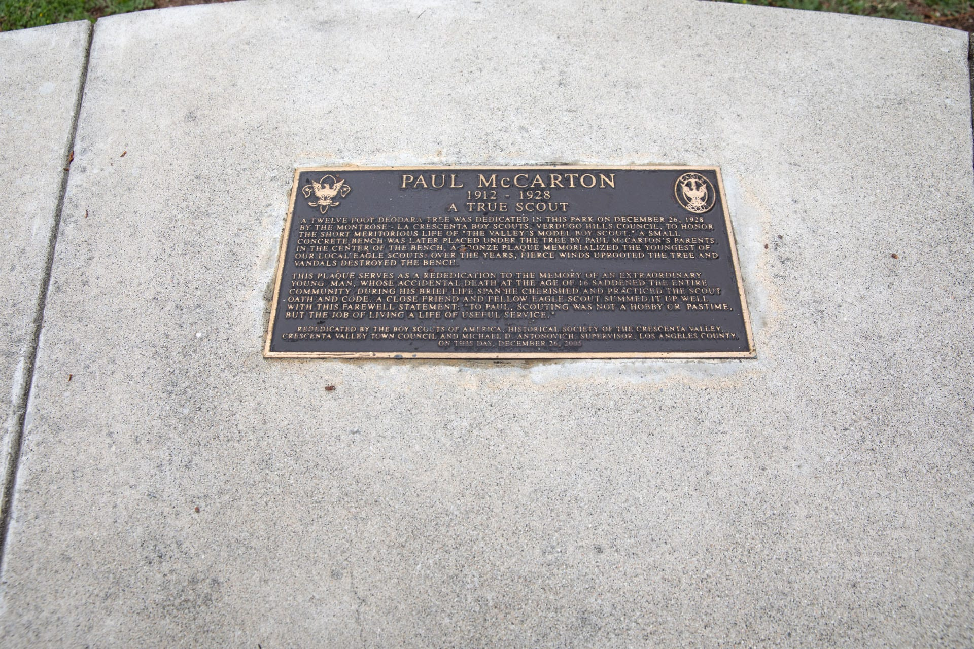 A plaque on a monument